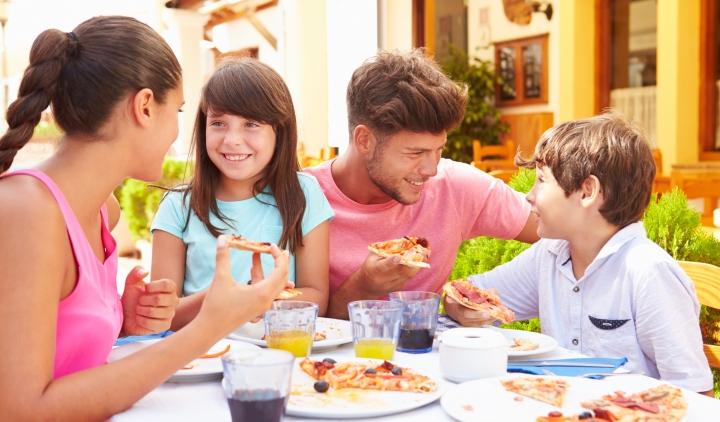 Замороженная пицца: как вкусно и недорого питаться в условиях кризиса?